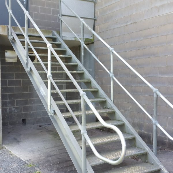Haindrail Churchill Leisure Centre Oct 2016 1 600x600 - Handrails